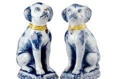 De Porceleyne Schotel, 1764-1773, Pair of dogs, Delft,
