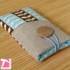iPhone 4 pouch / iPod sleeve / cell phone case by TeresaNogueira, 11.00