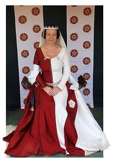 Rosalie's Medieval Woman: And exhaustive and fabulous site about the life of a medieval woman.