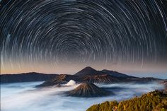 Moving stars over Mt. Bromo by Jus Medic (@jusmedic) http://www.earthshots.org