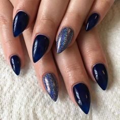 The Best Stiletto Nails Designs 2018 Stiletto nail art designs are called claw or claw nails. These ultra-pointy nails square measure cool and Eye Makeup Tips, Smokey Eye Makeup, Makeup Trends, Matte Nail Polish, Nail Polish Designs, Nail Designs, Navy Nails, Black Nails, Red Lipstick Looks
