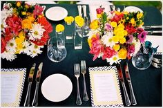 Such a vibrant tablescape!