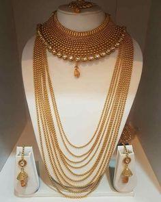 Ali baba Selani gold and diamond splyer Dubai . contact please call me order to get a chance Stylish Jewelry, Fashion Jewelry, Gold Jewellery Design, Gold Jewelry, Diamond Jewellery, Bridal Jewellery, Handmade Jewellery, Indian Bridal Jewelry Sets, Pakistani Jewelry