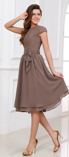 A-Line/Princess Scoop Neck Knee-Length Chiffon Bridesmaid Dress With Bow(s)…