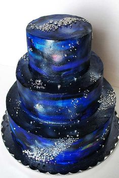 33 Galaxy Desserts Ideas to Impress Your Guests – dessertideas Pretty Cakes, Cute Cakes, Beautiful Cakes, Amazing Cakes, Fondant Cakes, Cupcake Cakes, Galaxy Desserts, Bolo Paris, Galaxy Wedding