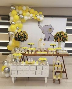 Cute Lemon, Chrome Silver, White & Clear DIY Balloon Garland Kit Baby Showers - New Sites Baby Shower Yellow, Boy Baby Shower Themes, Gender Neutral Baby Shower, Baby Shower Balloons, Baby Shower Fun, Baby Yellow, Sunshine Baby Shower Ideas, Baby Shower Garland, Unisex Baby Shower