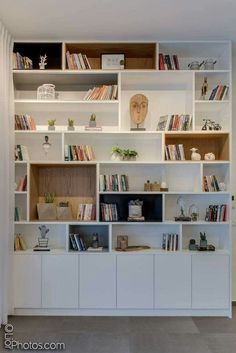 30 best bedroom cabinet design ideas 75 - boekenkast - Shelves in Bedroom Living Room Shelves, Living Room Storage, Home Living Room, Living Room Decor, Bedroom Storage, Bedroom With Bookshelves, Bedroom Shelving, Bookshelf Wall, Fireplace Shelves