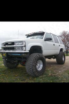 '98 lifted Tahoe Lifted Chevy Tahoe, Lifted Chevy Trucks, Gm Trucks, Cool Trucks, Chevrolet Suburban, Chevrolet Tahoe, Tahoe Lt, Sexy Cars, Monster Trucks