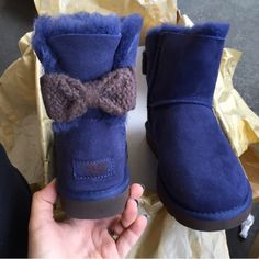 UGG authentic mini Bailey knit bow navy boots Sz 9 UGG authentic mini Bailey knit bow navy boots Sz 9 new 100% authentic style 1007980 UGG Shoes