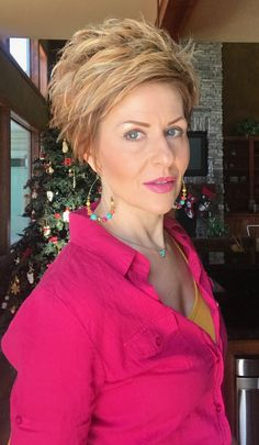 #OOTD,#T3, #DYT  DYT has been one of the best things I have ever done for personal growth. I highly recommend this for all women! DYT Necklace, DYT Top