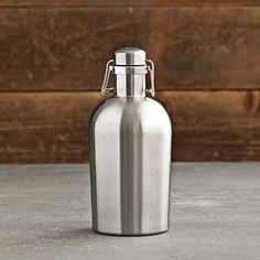 Keep your kombucha and home brews fresh in this retro-style airtight growler made of durable brushed stainless steel. Just fill, flip up the swing top and clamp shut. The food-grade silicone seal traps in freshness and effervescence. How To Make Beer, How To Make Cheese, Beer Recipes, Gourmet Recipes, Stainless Steel Growler, Beer Growler, Beer Packaging, Brew Pub, Beer Gifts
