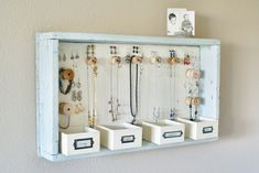 diy jewelry organization | DIY: jewelry organizer | Organizing ideas