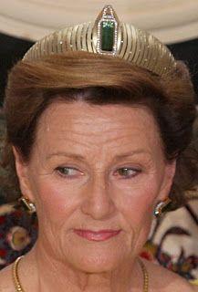 Tiara Mania: Modern Yellow Gold Tiara worn by Queen Sonja of Norway