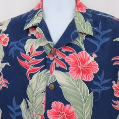 d65b8e40 This is a super nice Aloha Shirt from Hilo Hattie of Hawaii featuring pink  hibiscus and