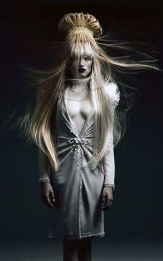 #avantgardehair #creativehair #hairart #artistichair #beauty #hair #hairproducts…