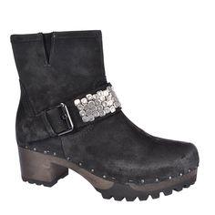 SOFTCLOX Ilka Bailey schwarz #softclox #soft #clogs #munich #muc #woddensole #black #blackshoes #darksole #fall #fallfavorites #fallshoes