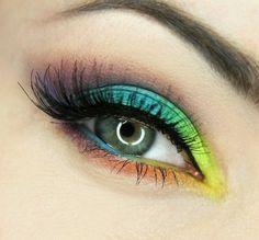 maquillage yeux couleurs arc-en-ciel mascara cils en noir