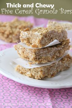Thick and Chewy Five Cereal Granola Bars - thinking about doing a personal twist! Good Protein Foods, Best Protein, Granola Cereal, Granola Bars, Ww Recipes, Cooking Recipes, Magic Recipe, Healthy Snacks, Healthy Eats