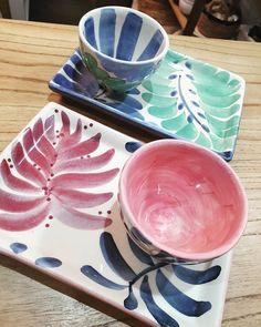 Ceramic Pottery, Pottery Art, Ceramic Art, Pottery Designs, Mug Designs, Pottery Techniques, Ceramics Projects, Tostadas, Calla Lilies