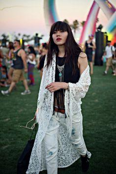 BAJO EL ARCO IRIS / / lulo en Coachella - Natalie Off Duty