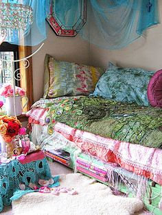 Bohemian daybed. This blog post has lots of pretty pictures.