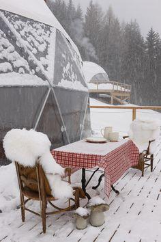 Whitepod :: Eco-luxury hotel & Alpine experience -> klein skigebied, leuk met kinderens, lodges