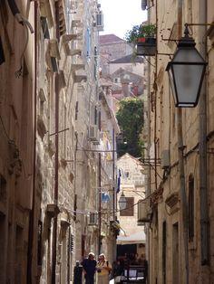 Pelas vielas da cidade antiga Dubrovnik Croácia