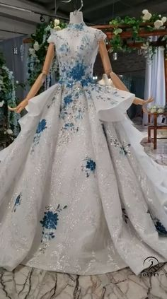 Learned converted pretty quinceanera dresses Buy Now Ombre Prom Dresses, Pretty Quinceanera Dresses, Blue Wedding Dresses, Pretty Dresses, Dress Wedding, Homecoming Dresses, Most Beautiful Dresses, Pageant Dresses, Ball Gowns Evening