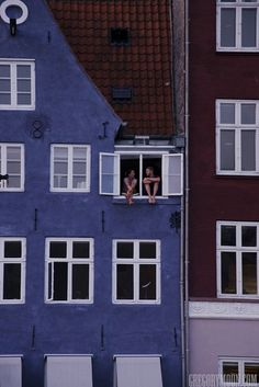 Nyhavn, Copenhagen I need to live here....  Dinamarca Travel  An eisen Blog vill méi Informatiounen  https://storelatina.com/denmark/travelling  #nodi #denmarktours #Dānija #vacation