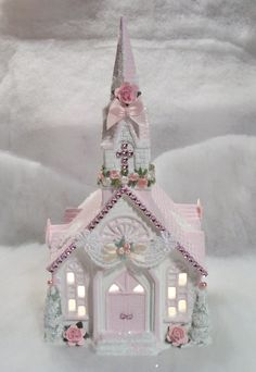 Shabby Chic - Paint a Christmas village house in Shabby Chic colors. Decorate.