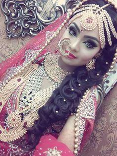 Indian Bridal Makeup, Wedding Makeup, Dulhan Makeup, Beautiful Body, Beautiful Women, Mehndi, Henna, Middle Eastern Makeup, Jewellry Box