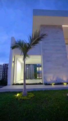 Modern Small House Design, Modern Exterior House Designs, Dream House Exterior, Dream Home Design, Exterior Design, House Arch Design, Home Building Design, Bungalow House Design, Luxury Homes Dream Houses