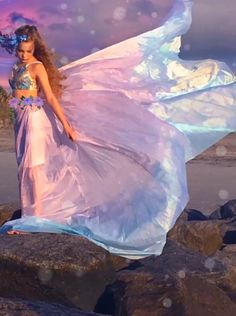 Latest animation I made Beautiful Fantasy Art, Beautiful Gif, Beautiful Hijab, Chica Fantasy, Fantasy Girl, Gif Animated Images, Beautiful Women Videos, Tie Dye Rainbow, Angel Pictures