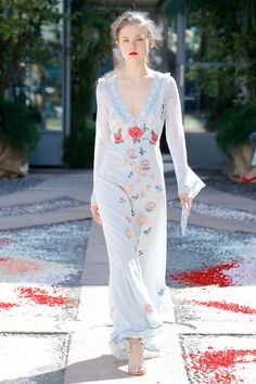 Luisa Beccaria Spring 2018 Ready-to-Wear Fashion Show Collection: See the complete Luisa Beccaria Spring 2018 Ready-to-Wear collection. Look 7 Fashion Week, Runway Fashion, Spring Fashion, High Fashion, Fashion Looks, Fashion Tips, Fashion Design, Fashion Trends, Cheap Fashion