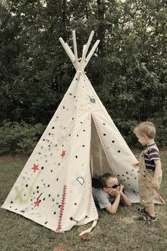 I need to make one for Dharma for the garden, can you imagine the awesomeness of a playdate in a tippi (how do you spell that anyway)