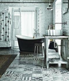 Homelovin - Un bagno d'altri tempi, con le piastrelle tipo maioliche a