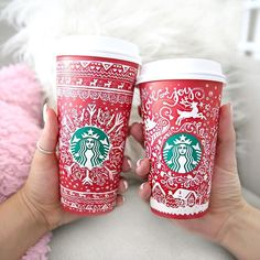 Actually conversation I heard in the UU last year waiting for starbucks, man what kind of coffee do you want, or do you want one of those girly froo froo drinks? man I'll have a black coffee, I never get the froo froo drinks *men laughing* Cute Christmas Sweater, Winter Christmas, All Things Christmas, Christmas Coffee, Starbucks Christmas, Christmas Morning, Starbucks Drinks, Starbucks Coffee, Hot Coffee