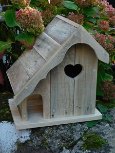 Amazing bird house ideas for your backyard space 29 Wooden Bird Houses, Bird Houses Diy, Fairy Houses, Bird House Plans, Bird House Kits, Bird House Feeder, Bird Feeders, Bird Tables, Birdhouse Designs