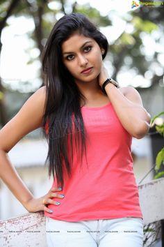 http://www.ragalahari.com/actress/12064/heroine-sai-akshatha-glam-shoot/image114.aspx