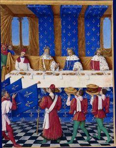 Bankett am Hof des französischen Königs Karl V. (Zentrum) im Jahre 1378 in Paris. Zu Gast sind Kaiser Karl IV. und sein Sohn Wenzel. Jeder Teilnehmer des Banketts hat zwei Messer, einen Salzbehälter, Serviette, Brot und einen Teller. Buchillustration von Jean Fouquet, Mitte 15. Jahrhundert.