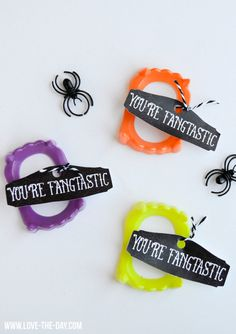 FANGtastic Halloween Idea and Free Printable by Love The Day