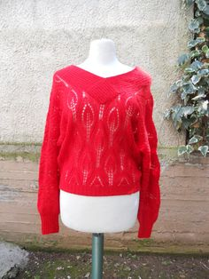 FREE Registered Shipping Handmade vintage knitted by Vintage Closet, Red Sweaters, Vintage Outfits, Pullover, Wool, Trending Outfits, Blouse, Handmade, Free
