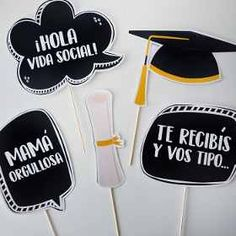 Photobooth Props Fotos Cartelitos Graduación Egresados - $ 185,00 College Graduation Parties, Graduation Party Decor, Grad Parties, Diy Birthday Decorations, Birthday Diy, Prom Decor, 70s Party, Ideas Para Fiestas, Photo Booth Props