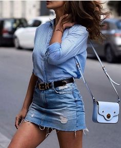 This is how you can style up your denim skirt! Denim Skirt Outfits, Denim Outfit, Casual Outfits, Casual Chic Summer, Casual Chic Style, Style Summer, Denim Fashion, Fashion Outfits, Womens Fashion
