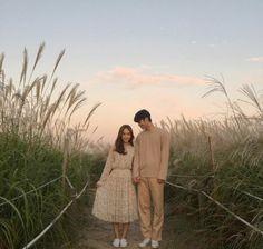 Korean Wedding Photography, Cute Photography, Pre Wedding Poses, Pre Wedding Photoshoot, Cute Couple Art, Cute Couples, Couple Posing, Couple Shoot, Korean Couple Photoshoot