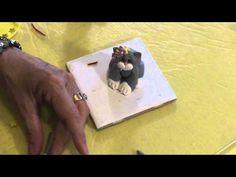 Polymer Clay Tutorial - How to Make Kitty Cat - Part 2 Clay Tutorials, Video Tutorials, Polymer Clay Cat, Clay Videos, Clay Cats, Fondant Tutorial, Cake Decorating Techniques, Pasta Flexible, Polymers