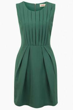 Louche+pleat+dress+Joy.jpg 690×1.030 pixel