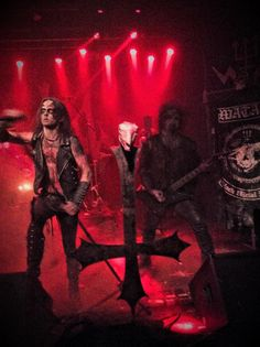 StitchWitchDolls.... A nice pic of Watain I took....