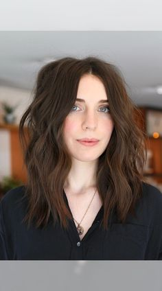 See these incredibly cute medium layered haircuts and hairstyles. #5 is our favorite and a MUST see! But I think you'll love them all! (Photo credit Instagram @hirohair) Latest Hairstyles, Hairstyles Haircuts, Medium Length Hair Cuts With Layers, Medium Layered Haircuts, Love Hair, About Hair, Photo Credit, Long Hair Styles, Hair Colors