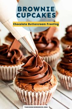Get ready for the most delicious brownie cupcakes! These chocolate beauties are easy to make with a few simple ingredients and are the perfect mix of brownie and cupcake! Topped with a creamy chocolate buttercream frosting. #buttercream #brownies #chocolate #dessert Apple Pie Cupcakes, Brownie Cupcakes, 12 Cupcakes, Brownie Batter, Fudgy Brownie Recipe, Fudgy Brownies, Brownie Recipes, Cupcake Recipes, Hershey Chocolate Bar